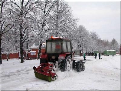 Очистка кровли от снега и наледи в свао